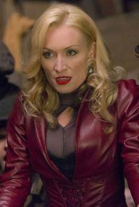 Victoria Smurfit as Julianna Vanderkemp, Velvet